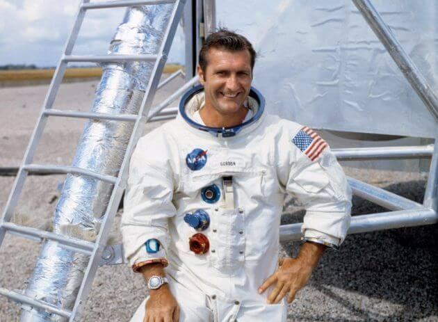 On a sadder note: Gemini and Apollo astronaut Richard Gordon passes away