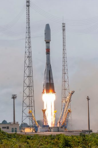 Soyuz ST-B launches four O3b satellites
