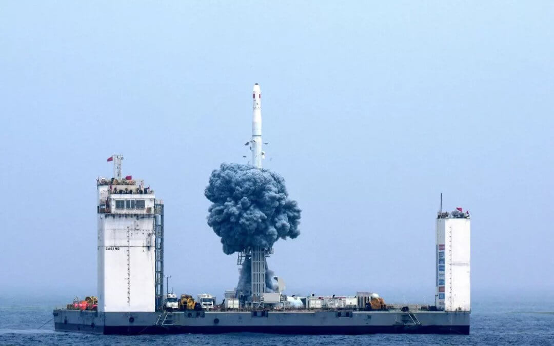 "China makes its first ""sea launch"" with Long March 11 flight"