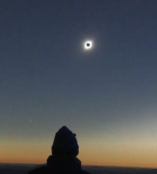 Total solar eclipse wows viewers in Chile and Argentina