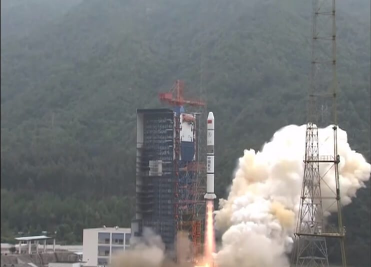 Long March 2C launches Yaogan 30-05 triplet whilst sporting grid-fins on its first stage