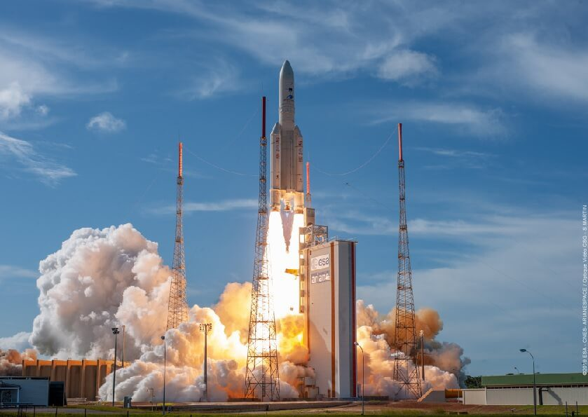 Ariane 5 flies dual satellite mission as both Arianespace and SpaceX learn lesson from Spaceflight Industries