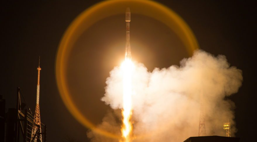 Despite Coronavirus crisis Russians launch Soyuz carrying 34 OneWeb satellites