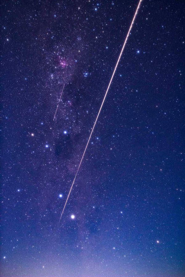 Hayabusa-2 makes triumphant return to Earth