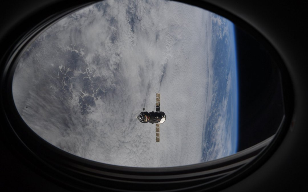 Progress MS-15 departs ISS and deorbits itself to safe destruction during re-entry