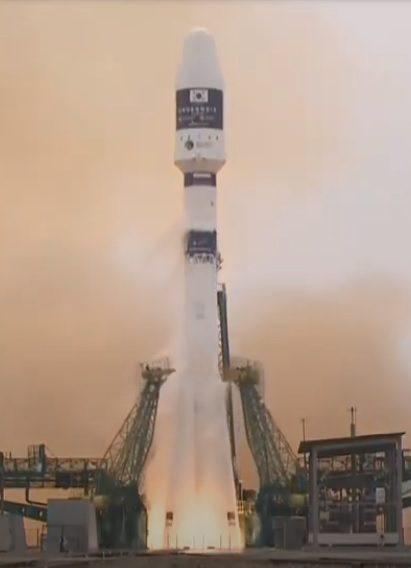 Soyuz 2-1a/Fregat launches 38 satellites including CAS500-1 remote sensing sat and ELSA-d debris removal technology mission