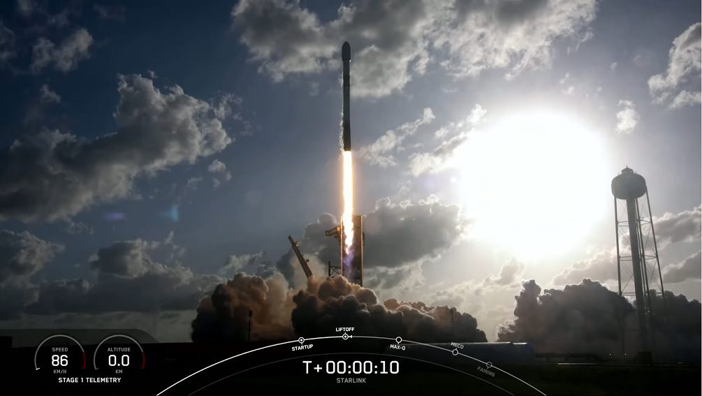 SpaceX launches Starlink mission with reduced complement to accommodate two rideshares