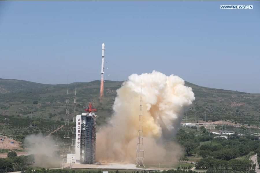 China launches a crop of five satellites into LEO